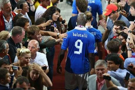 """<b>5. Balotelli</b><br>""""Mario Balotelli foi incrível em seu último grande torneio com a Itália (três gols na Euro 2012), o que é uma indicação de que ele será um fiasco neste"""", analisou o jornal, em avaliação sem muito sentido - além disso, Balotelli ainda marcou dois gols na Copa das Confederações de 2013."""