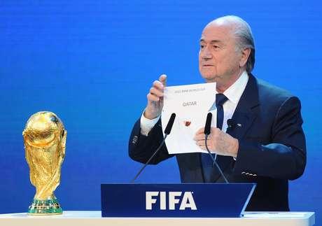 Desde anúncio de Blatter colocando Catar como sede da Copa em 2022, polêmicas cercam entidade
