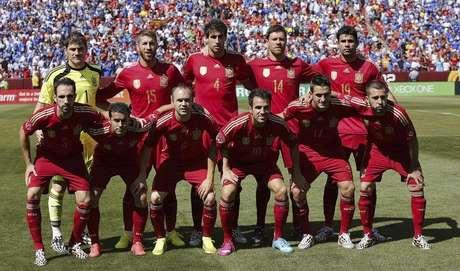Seleção da Espanha tira foto antes de amistoso internacional contra El  Salvador 7246d593b1aca