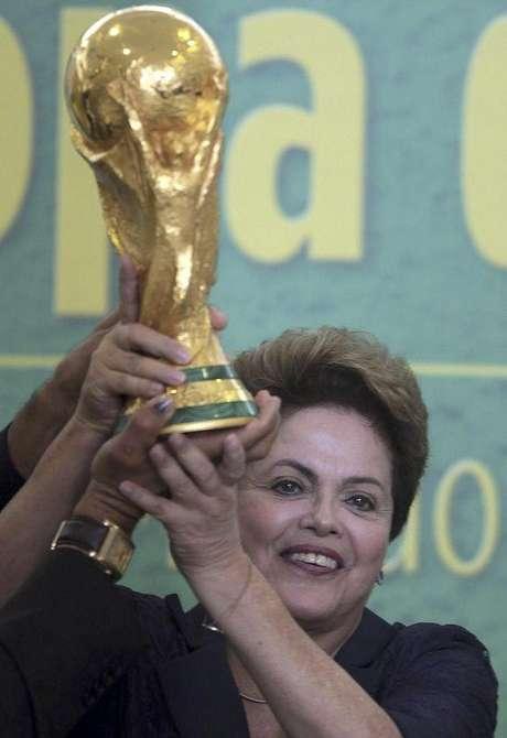 <p>Dilma está esperançosa pelo título do Brasil</p>