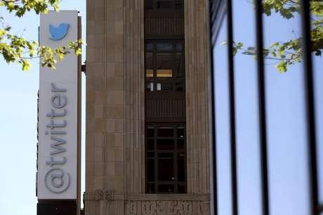 <p>As Mensagens Diretas do Twitter são tuítes privados enviados entre usuários que segue um ao outro</p>