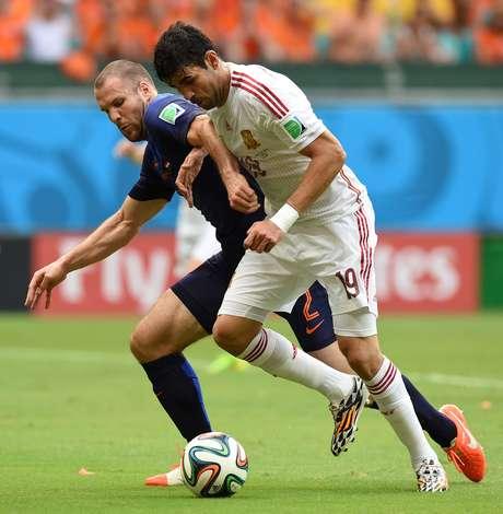 <p>Diego Costa não se adaptou ao time, pareceu longe da melhor forma física e foi hostilizado e substituído nos dois jogos</p>