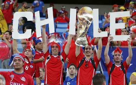 <p>Torcedores do Chile fizeram muita festa&nbsp;nesta sexta-feira com a vit&oacute;ria por 3 a 1 contra a Austr&aacute;lia, na Arena Pantanal, em Cuiab&aacute;. A disputa &eacute; entre equipes do grupo B da Copa do Mundo</p>