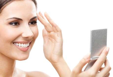 Para blindar-se de todos os efeitos que o passar dos anos pode provocar na pele, especialistas ensinam 10 truques para quem deseja recuperar a jovialidade da cútis e, de quebra, proporcionar uma intensa hidratação