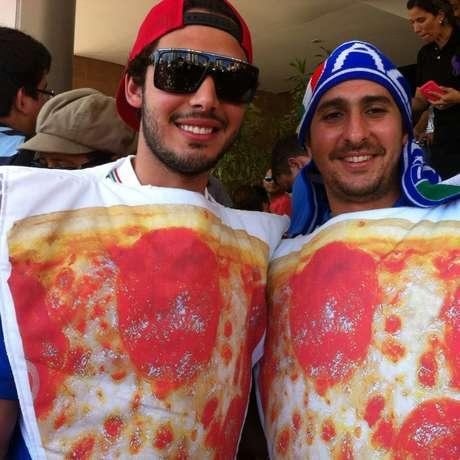 Homens-pizza receberam italianos em Manaus