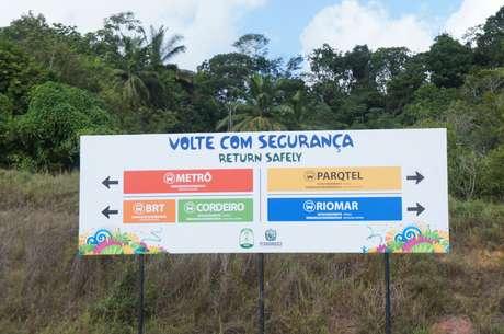 Placas orientam turistas em Pernambuco