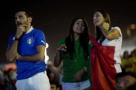 <p>Torcedores apoiaram a seleção italiana na Arena Amazônia</p>