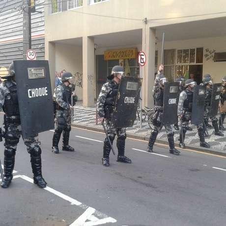 Os militantes pretendem seguir em direção ao estádio, que teve a segurança reforçada