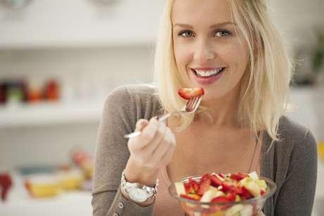 : El consumo de fibra ayuda a conseguir unos dientes más blancos