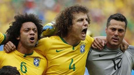 <p>David Luiz cantou alto quando o hino nacional foi cantado à capela no Estádio Castelão, em Fortaleza</p>