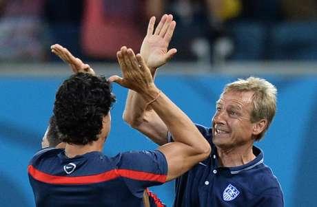 <p>Klinsmann comemora vitória sobre Gana</p>