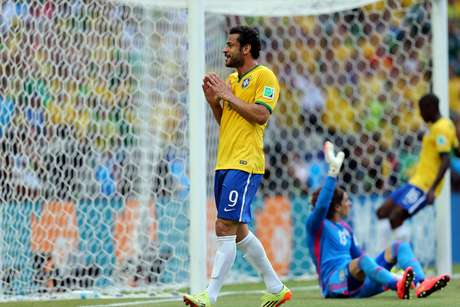 Brasil teve chance com Fred, mas bandeira já havia marcado impedimento