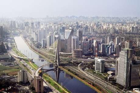 Segundo o censo das empresas brasileiras elaborado pelo Instituto Brasileiro de Planejamento e Tributação (IBPT), só a cidade de São Paulo reúne quase 10% dos negócios do país