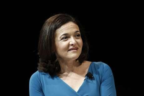 <p>Sandberg, diretora de opera&ccedil;&otilde;es do Facebook, defendeu, em Cannes,&nbsp;a personaliza&ccedil;&atilde;o como o principal modo&nbsp;para chegar aos usu&aacute;rios de internet.</p>