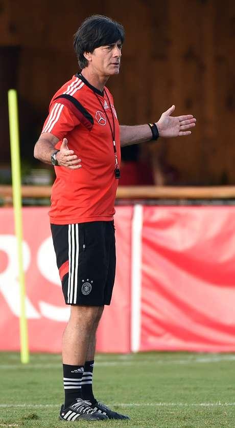 <p>Joachim Low descartou a chance de jogar pelo empate</p>