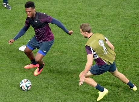 <p>Inglaterra treina em São Paulo na véspera da partida</p>
