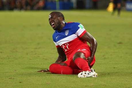 Atacante deixou o duelo contra Gana ainda antes do intervalo