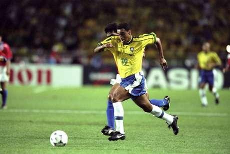 Brasileiros nunca perderam para os chilenos em Copa do Mundo, como em partida de 1998 (foto)