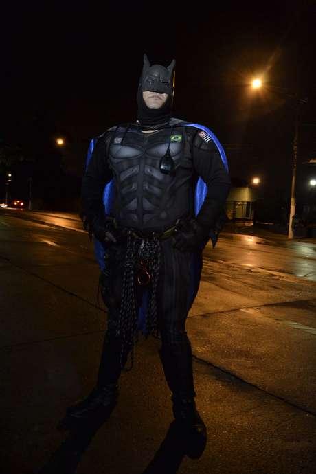 'Batman' estava em uma padaria quando teve o celular roubado