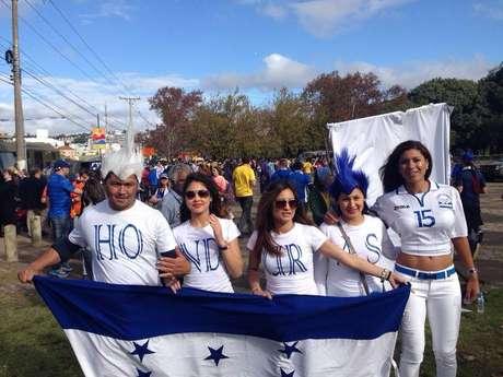 Hondurenhos, em menor número, também circulam pela capital paranaense