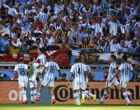 <p>Messi marcou nos acréscimos para definir classificação</p>