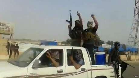 <p>Grupos extremistas jihadistas t&ecirc;m tomado algumas cidades no Iraque</p>