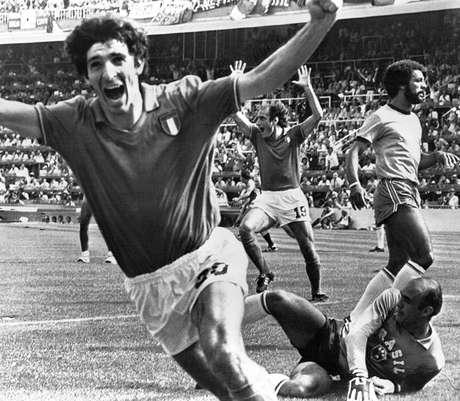 <p>Paolo Rossi frustra o sonho do tetra na Copa de 1982</p>