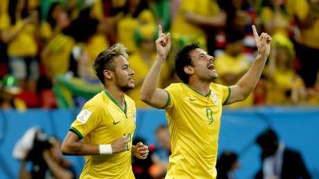 <p>Fred comemora o primeiro gol marcado na Copa do Mundo</p>