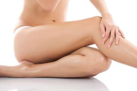 Alto poder de hidratação da manteiga de cacau ajuda a manter elasticidade da pele, evitando o surgimento de estrias