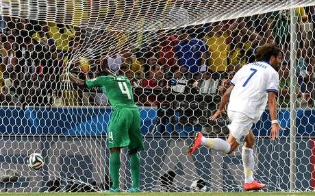 <p>Grécia conquistou vitória histórica com gol nos acrescimos e eliminuou africanos da Copa do Mundo</p>