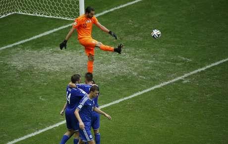 <p>Jogadores da Bósnia comemoram gol contra Irã</p>