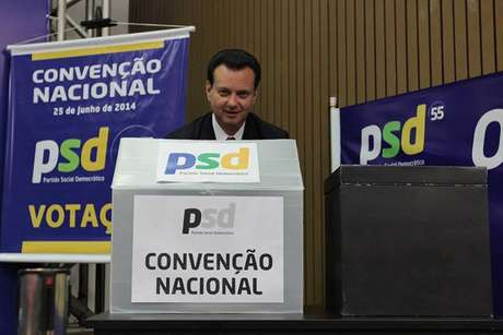 Gilberto Kassab votou na convenção nacional do partido, que a provou apoio ao PT