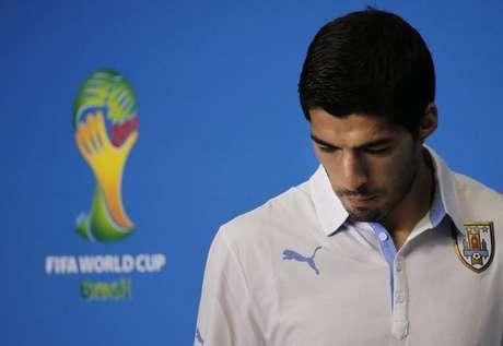 <p>Luis Suárez, da seleção do Uruguai, pode ser duramente punido pela entidade que rege o futebol mundial</p>