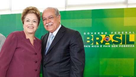 Presidente Dilma com César Borges durante a cerimônia de posse do ministro