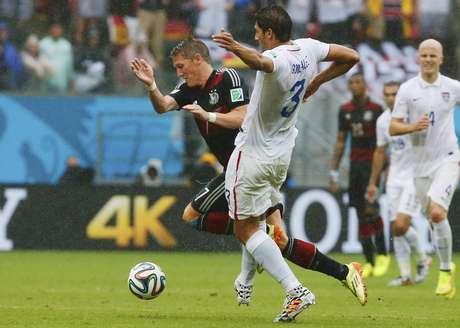 <p>Bastian Schweinsteiger foi elogiado por M&uuml;ller e Low</p>