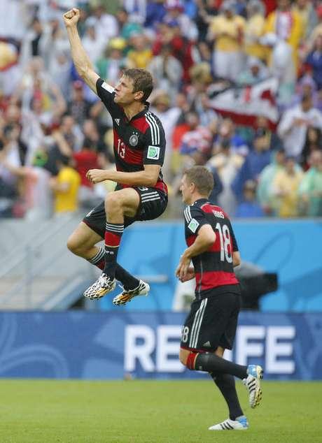 Müller comemora gol contra os Estados Unidos