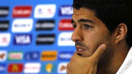 O uruguaio Luis Suárez participa de entrevista à imprensa na Arena das Dunas, em Natal. 23/6/2014.