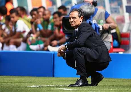 <p>Prandelli pediu para sair após fracasso italiano</p>