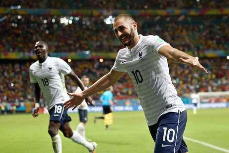 <p>Karim Benzema é a o artilheiro da França, com três gols nesta Copa</p>
