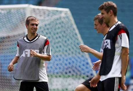 Alemanha conta com sete jogadores do Bayern, entre eles Lahm, Kroos e Müller