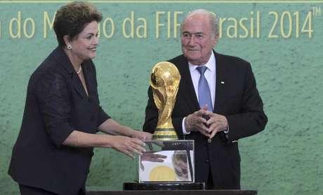 <p>Presidente da Fifa tamb&eacute;m disse que Fan Fests atra&iacute;ram mais pessoas do que manifesta&ccedil;&otilde;es</p>