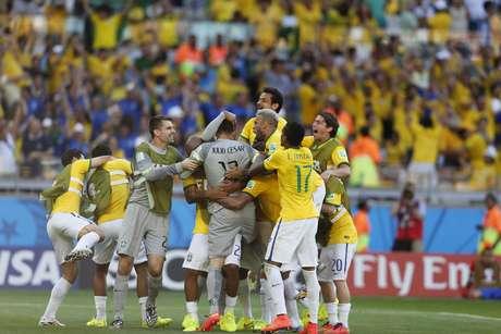 <p>Classificação do Brasil às oitavas de final dividiu atenções na Arena Pernambuco</p>