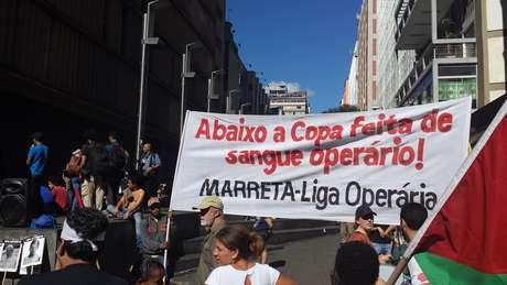 Manifestantes defendem a causa operária