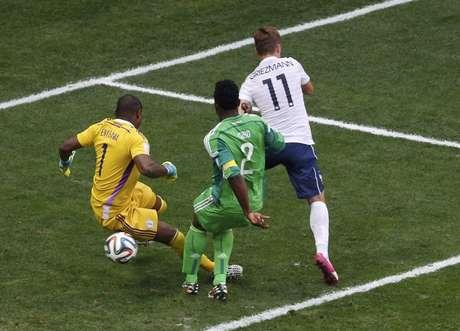 <p>França teve dificuldade para vencer a Nigéria nesta segunda-feira</p>