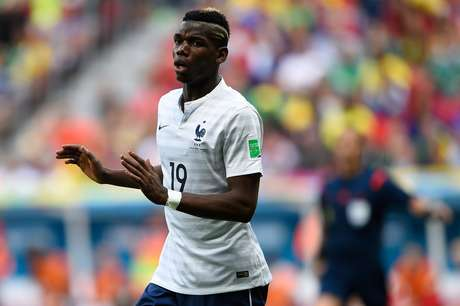 <p>Pogba marcao primeiro gol da vitória por 2 a 0 sobre a Nigéria, em Brasília</p>