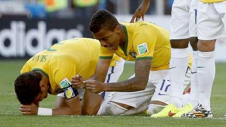 <p>Brasileiros durante cobrança de pênaltis contra o Chile; semana em que lado emocional ganhou mais destaque do que futebol irregular</p>