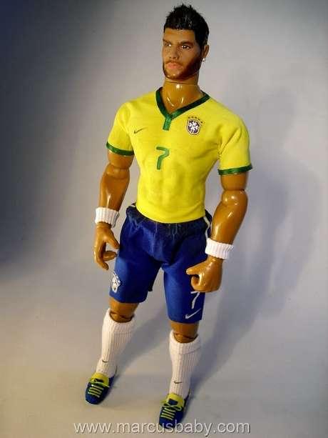 <p>Artista Marcus Baby foi o responsável pela criação do boneco</p>
