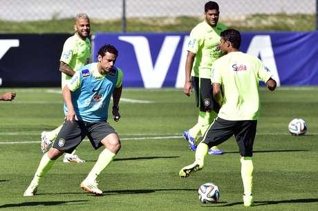 <p>A dois dias do jogo contra a Colômbia, pelas quartas de final da Copa do Mundo de 2014, a Seleção Brasileira realizou treino na Granja Comary</p>