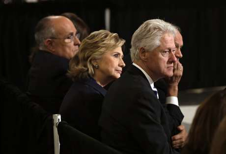 """<p class=""""text"""">Bill Clinton disse que ataque contra&nbsp;Osama bin Laden significaria a destrui&ccedil;&atilde;o de pequena cidade no Afeganist&atilde;o, o que&nbsp;teria causado a morte de 300 mulheres e crian&ccedil;as</p>"""