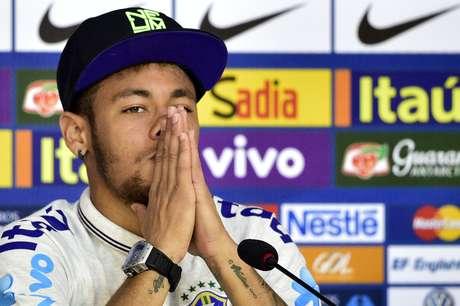 <p>Neymar só perdeu um pouco o bom-humor em uma indagação na entrevista realizada na Granja Comary</p>